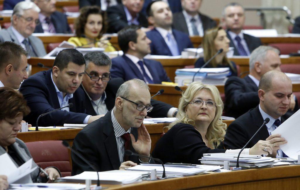 Zagreb, 15.11.2016 -  Nastavak zasjedanja Hrvatskoga sabora raspravom o poreznim zakonima