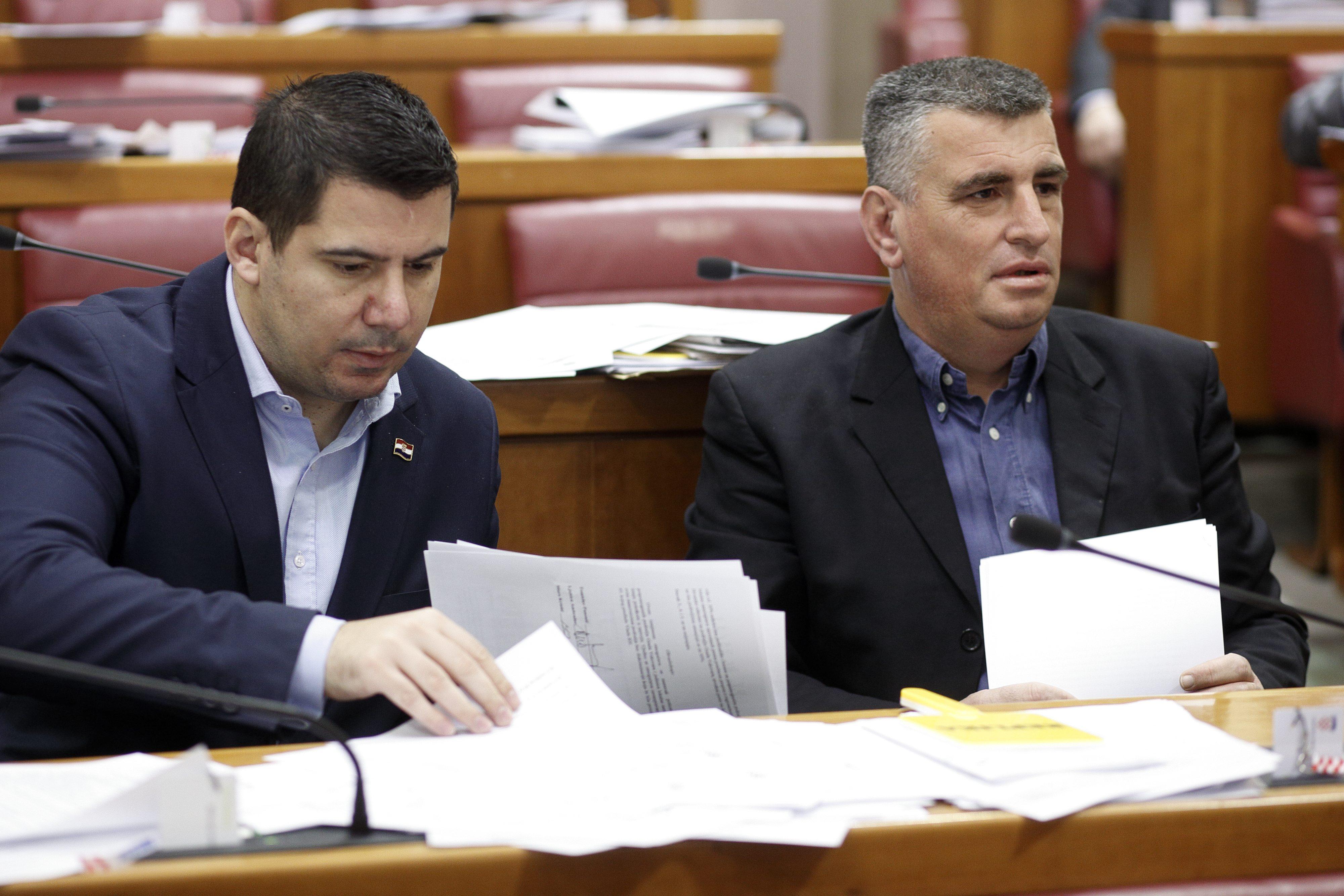 BULJ: Pupovac iskorištava fiktivno prijavljene glasače za osobnu korist