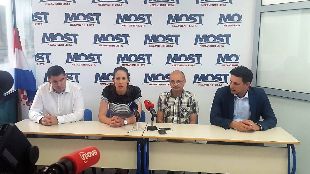 Stranka Snaga i Goran Aleksić snažno uz Most